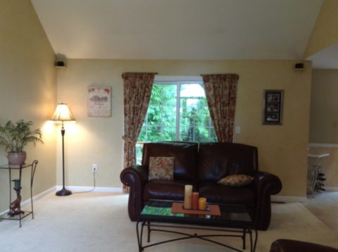 Mellow Yellow Family Room.3