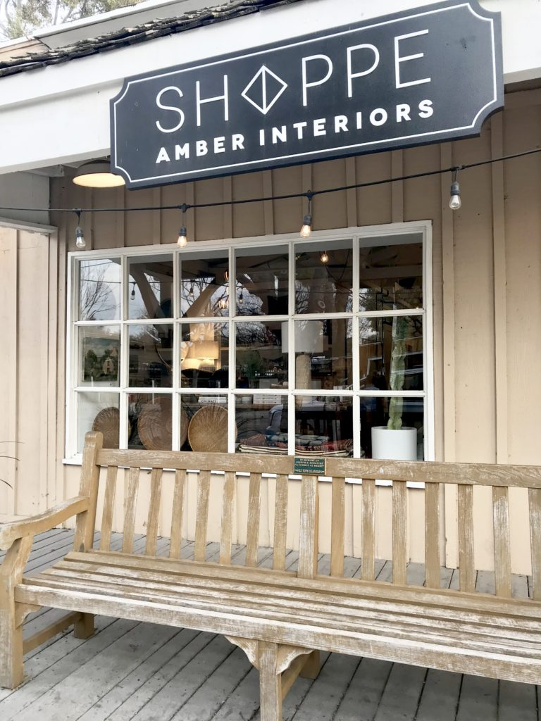 Exterior photo of Shoppe Amber Interiors